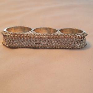Vintage Jewelry - 3 finger rhinestone bar ring 8